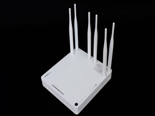 강력한 무선성능과 간이NAS로 파일이동이 자유로운 유무선공유기, ipTIME A7ns