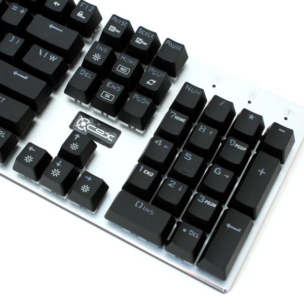 취향대로 키 스위치 교체하는 키보드, COX CK400 교체축 레인보우 LED