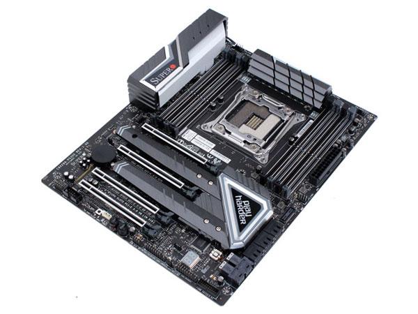 슈퍼마이크로의 X299 하이엔드 메인보드, 슈퍼오 C9X299-PG300 STCOM