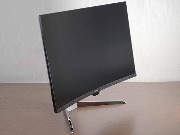 멀티미디어와 게임까지... 31.5인치 HDR 커브드 모니터, BenQ EX3203R