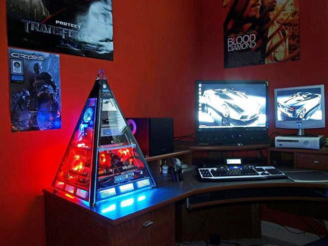 Red Scheme Gaming Room